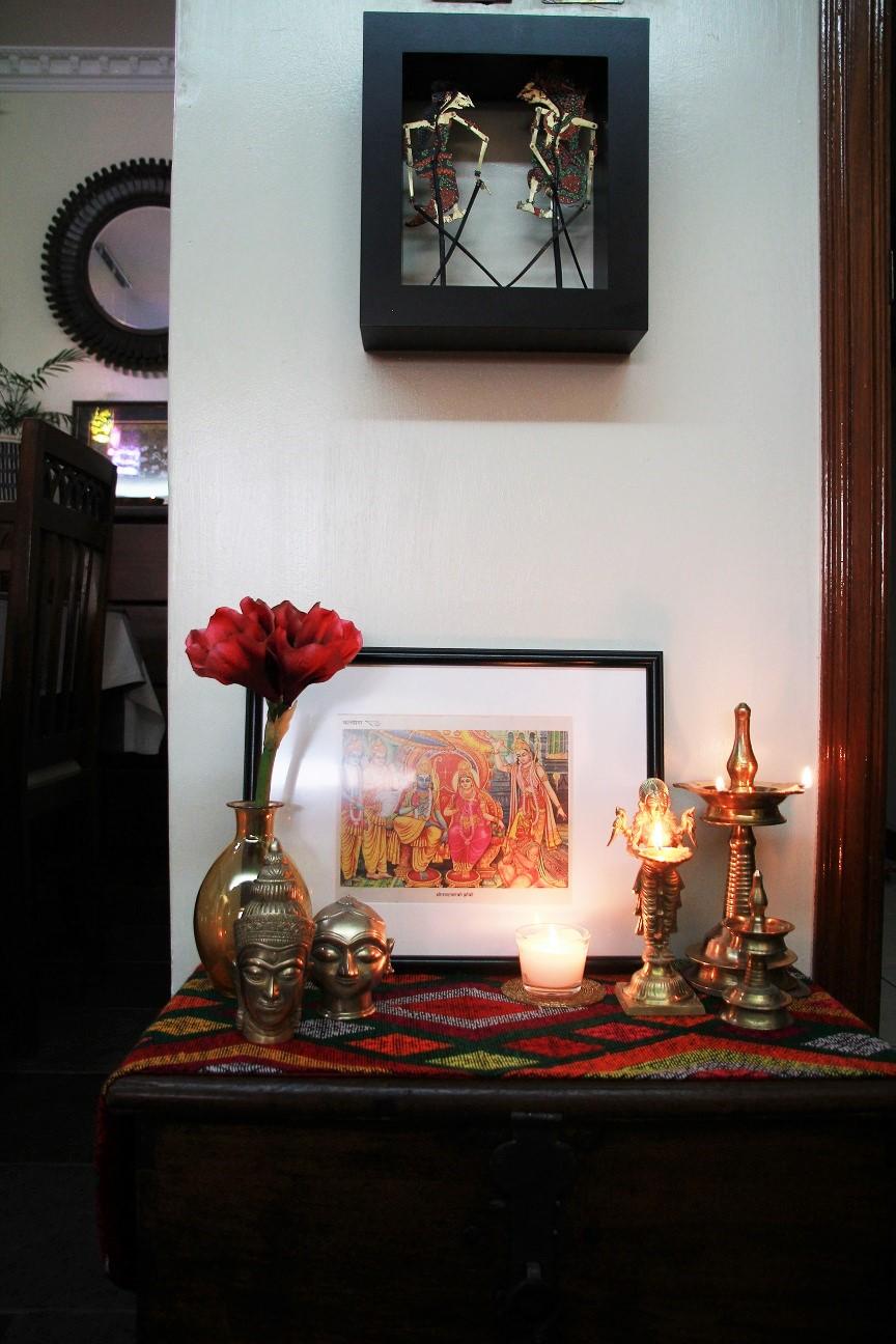 ramayana-vignette-ram-sita-balinese-shadow-puppets-on-top
