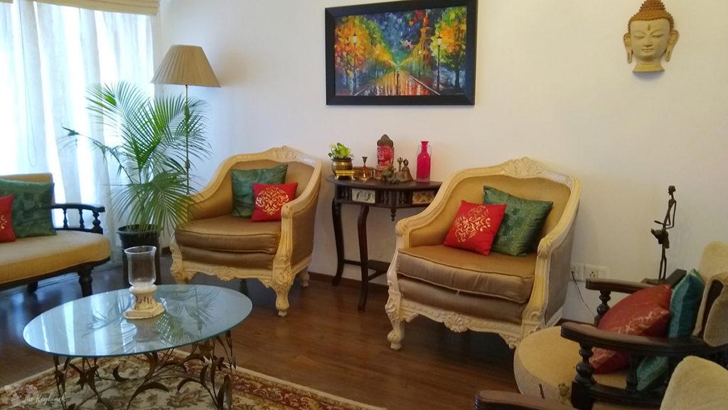 Jayashree Rajan's garden apartment tour on The Keybunch: living room