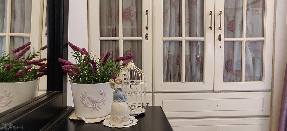 Jayashree Rajan's garden apartment tour on The Keybunch: vintage accents